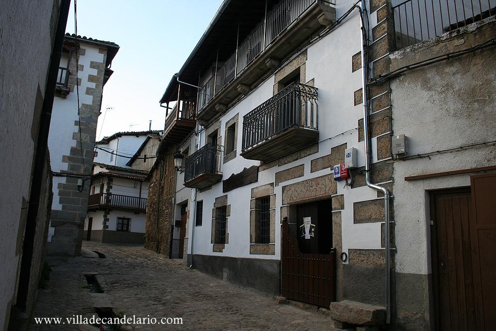 Informaci n turistica de candelario museo casa chacinera for Hoteles y hostales en la alberca salamanca