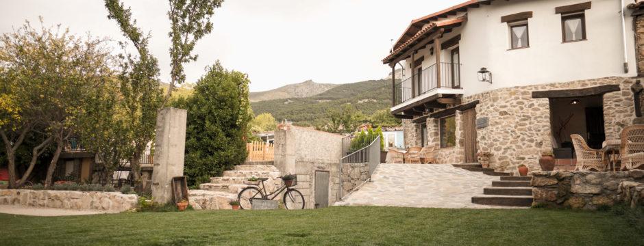 Casa-Rural-Candelario-La-Batipuerta-1-78-940x360